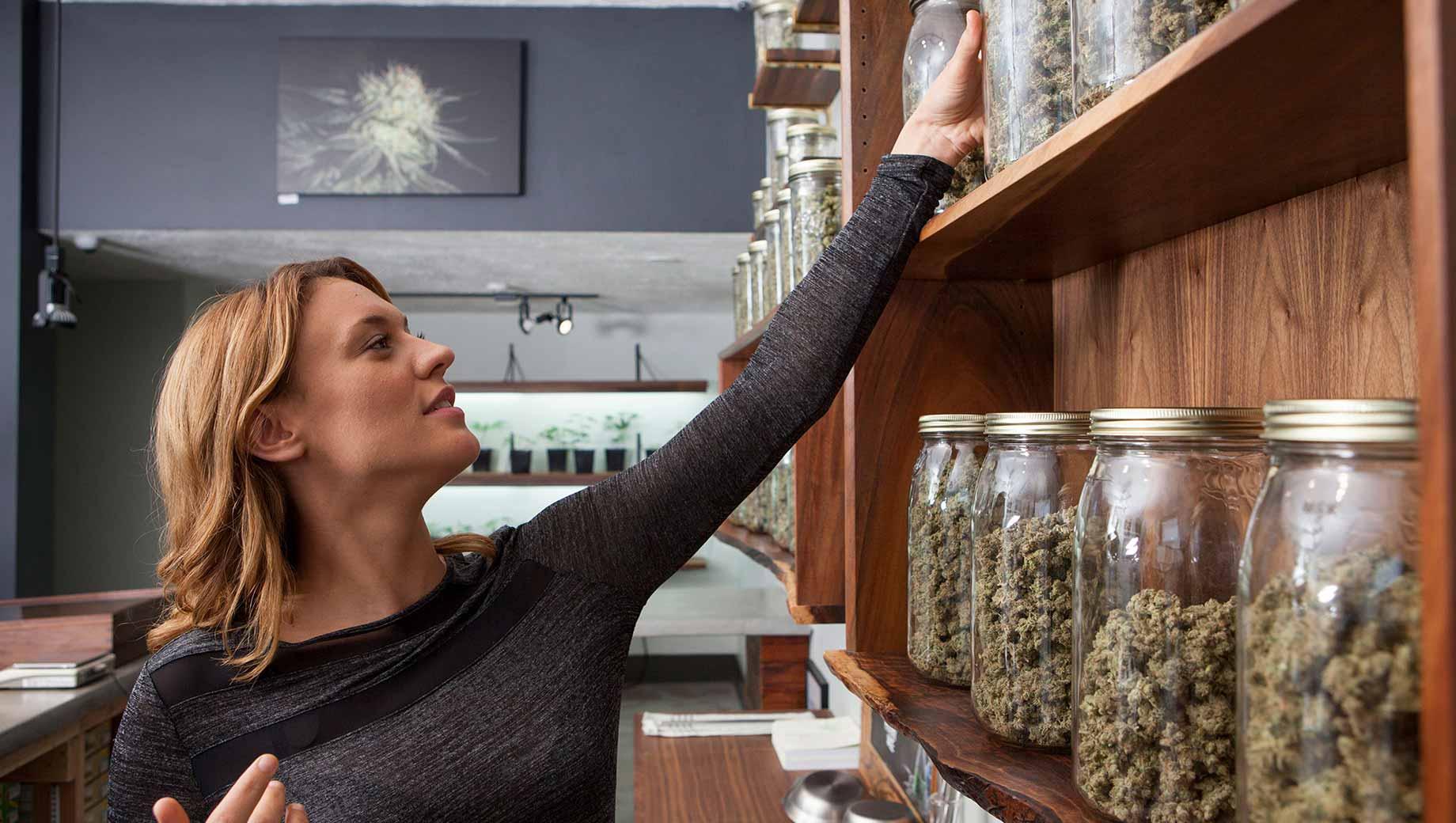 Prise en charge de la marijuana légale jusqu'à un nouveau sommet de 68%
